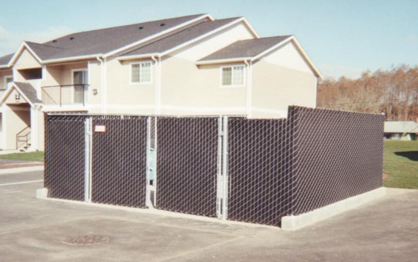 Easy Install Fence Hedge Inserts | eHow.com